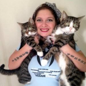 Poppy portrait w:kitties