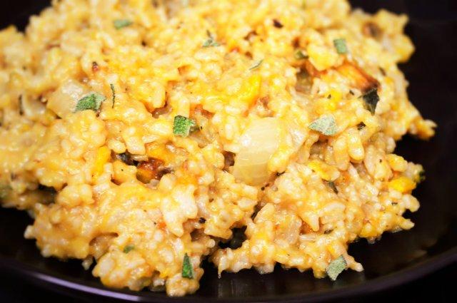 Easy Butternut and Sage Risotto #vegan #pumpkin #squash #butternutsquash #rice #risotto
