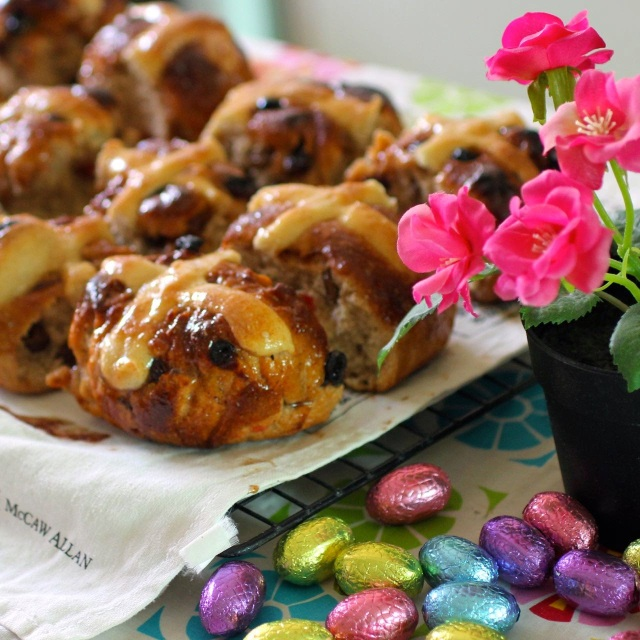 #Vegan Sourdough Hot Cross Buns with Marzipan