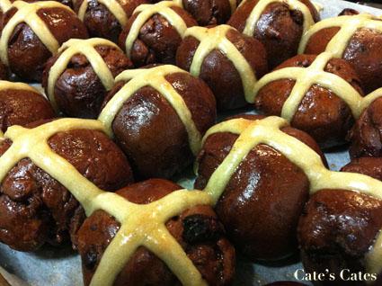 #Vegan Choc-Cross Buns with Tahini and Apricots