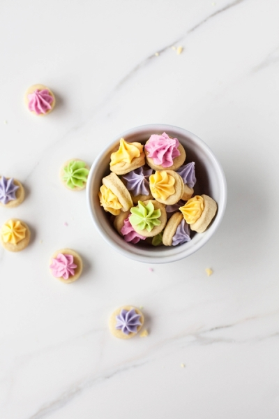 VEGAN ICED GEMS
