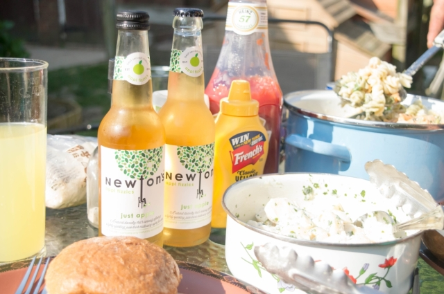 The Perfect Vegan #Barbecue - Strawberry Vanilla Lemonade, Potato Salad and More! #vegan #bbq