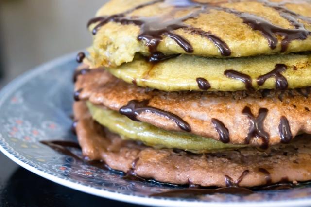 Matcha & Cocoa Pancake Stack - Gluten Free, Low Oil, Sugar Free, Dairy Free #vegan #glutenfree