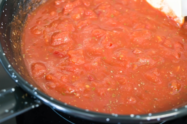 Rich and fiery arrabiata sauce #italian #vegan #pasta