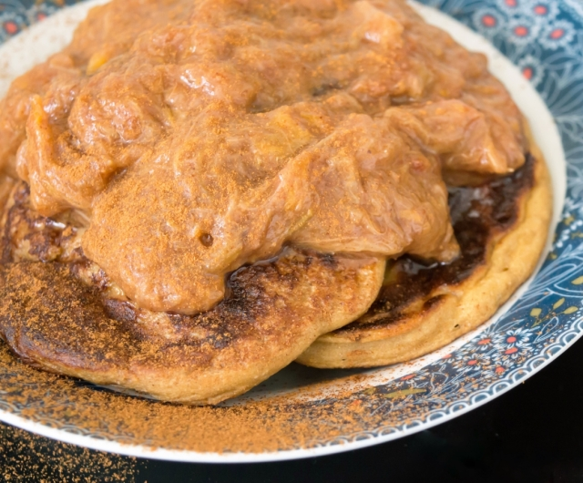 Rhubarb compote fritters, rich with cinnamon #fatfree #healthy