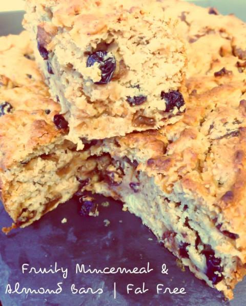 Fruity Mincemeat and Almond Cake Bars #fatfree #vegan #christmas