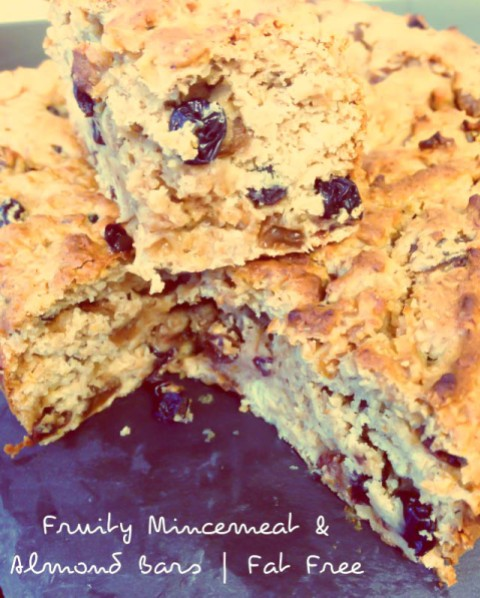 Fruity Mincemeat and Almond Cake Bars #fatfree #vegan #christmas