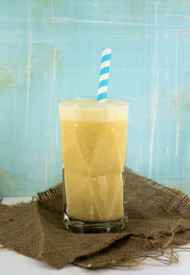 Creamy Peach Breakfast #Smoothie from #Vegan in 15